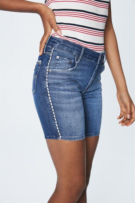Bermuda-Jeans-Escuro-Justa-Feminina-Frente--