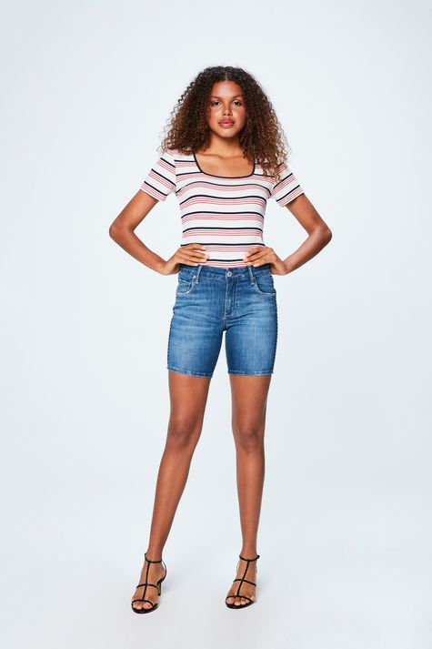 Bermuda-Jeans-Escuro-Justa-Feminina-Detalhe-2--