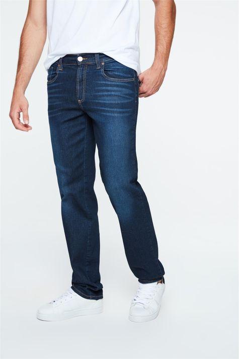 Calca-Jeans-Reta-com-Estampa-no-Bolso-Detalhe--