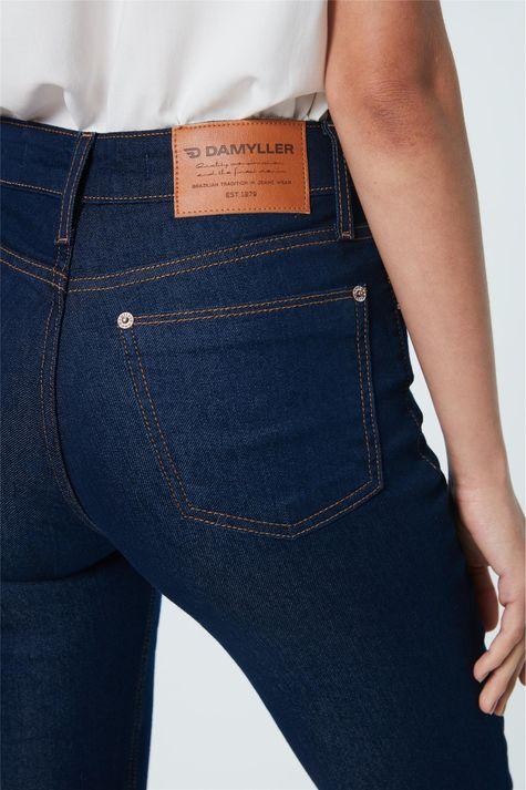 Calca-Jeans-Boot-Cut-de-Cintura-Alta-Detalhe--