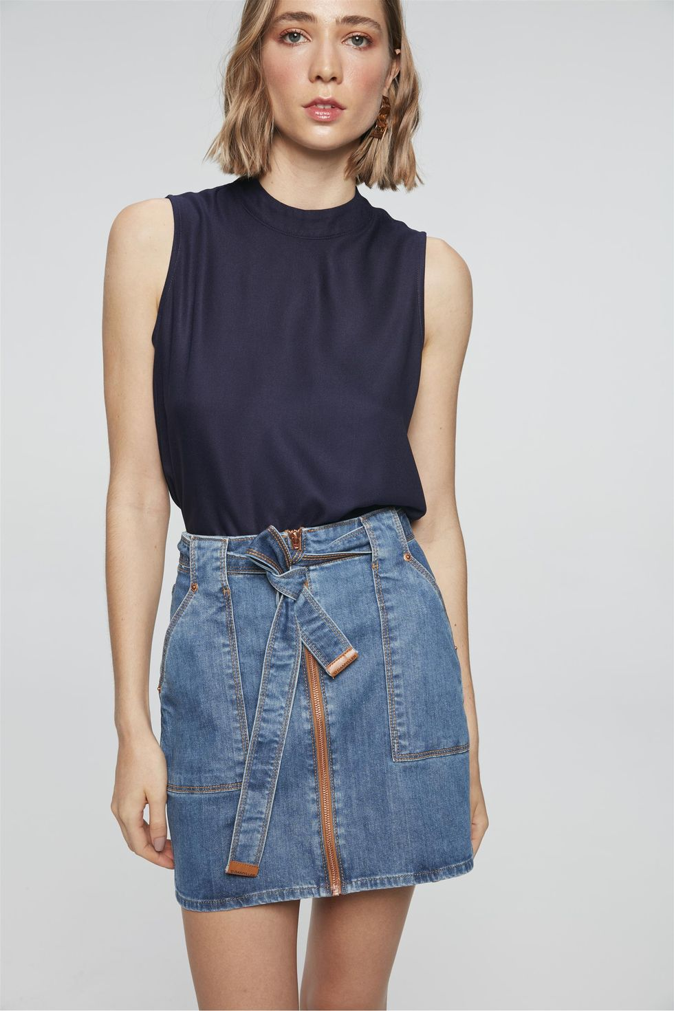 Saia-Jeans-Mini-com-Ziper-e-Amarracao-Frente--