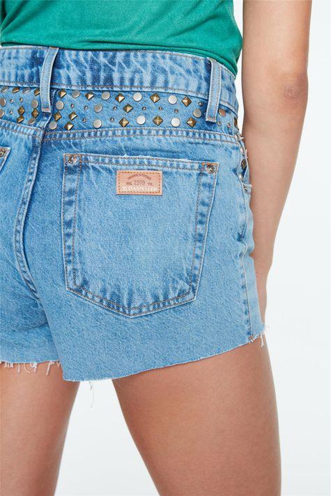 Short-Jeans-de-Cintura-Alta-com-Tachas-Detalhe-1--