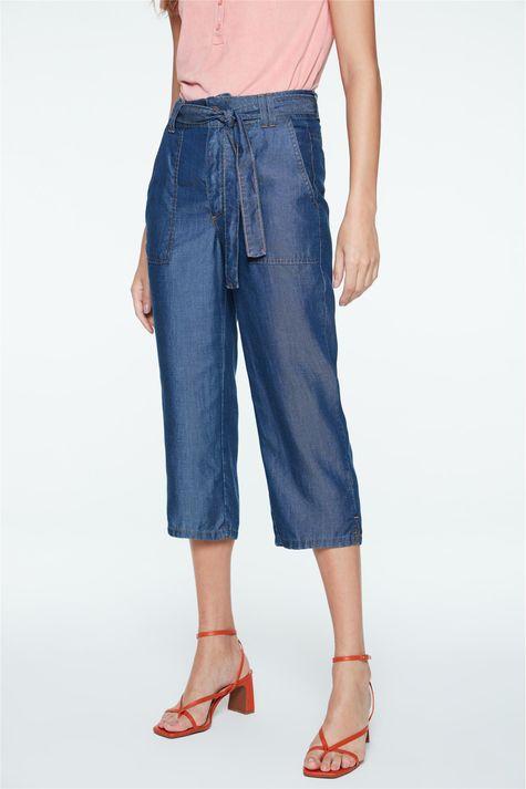 Calca-Jeans-Capri-de-Cintura-Alta-Detalhe--