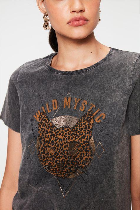 Camiseta-Estonada-Estampa-Wild-Mystic-Detalhe--
