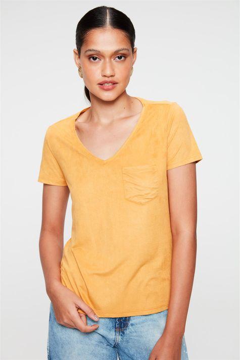 Camiseta-Gola-V-de-Suede-Feminina-Frente--