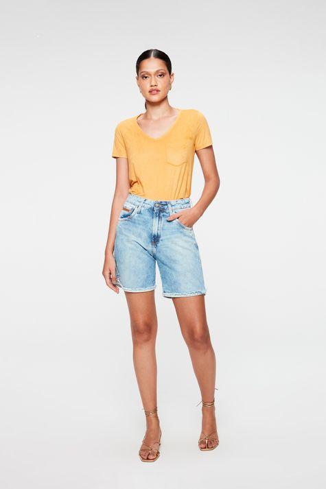 Camiseta-Gola-V-de-Suede-Feminina-Detalhe-1--