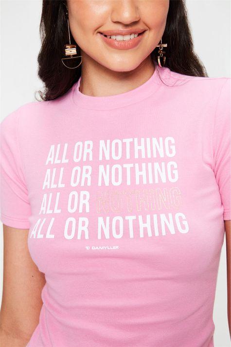 Camiseta-com-Estampa-All-Or-Nothing-Detalhe--