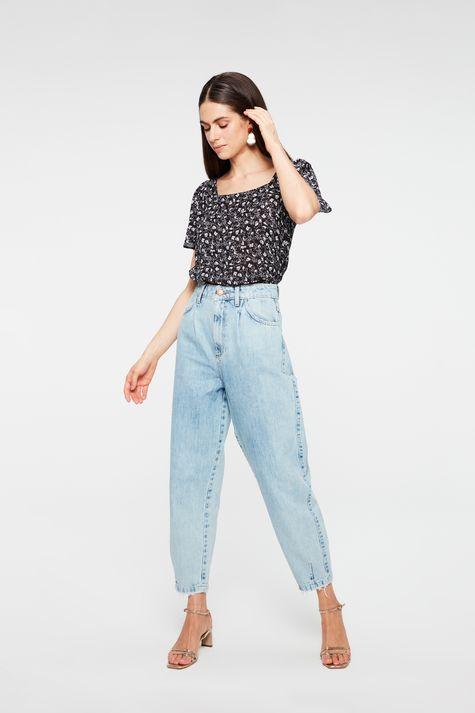 Blusa-Decote-Quadrado-com-Estampa-Floral-Detalhe-1--