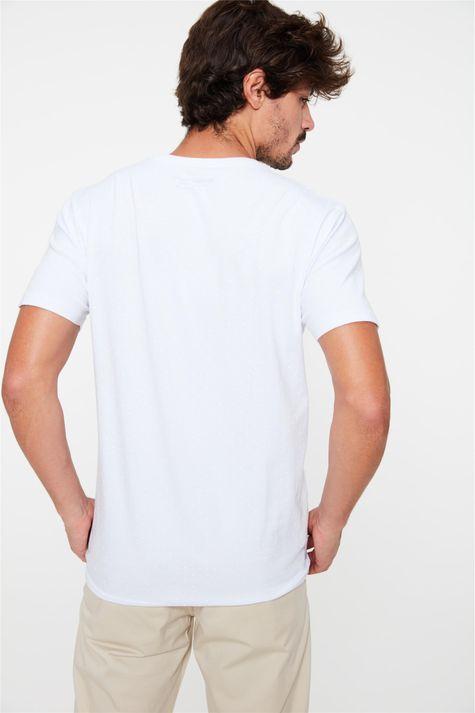 Camiseta-Estampa-de-Bolinhas-Masculina-Costas--