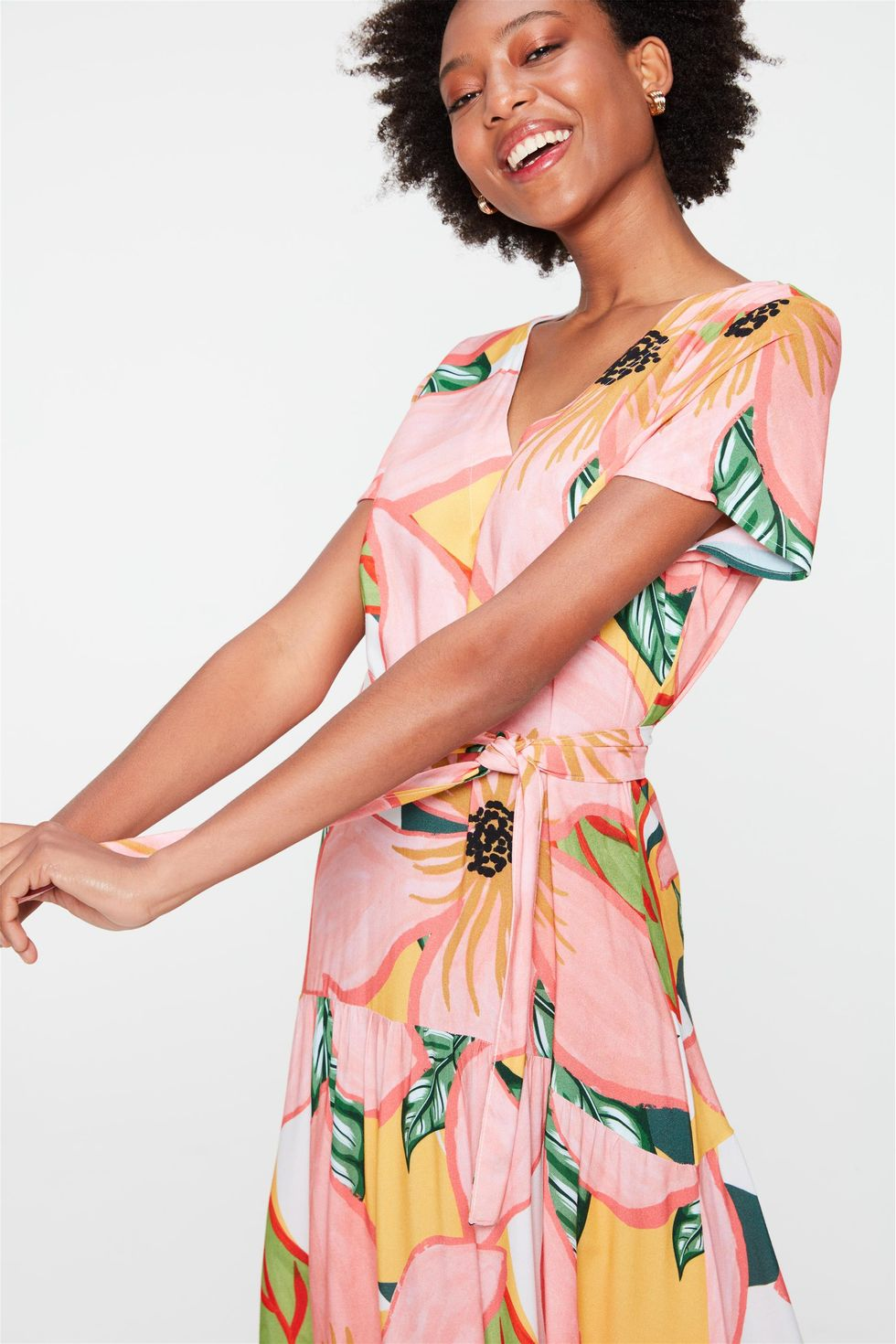 Vestido-Midi-com-Estampa-Floral-Frente--