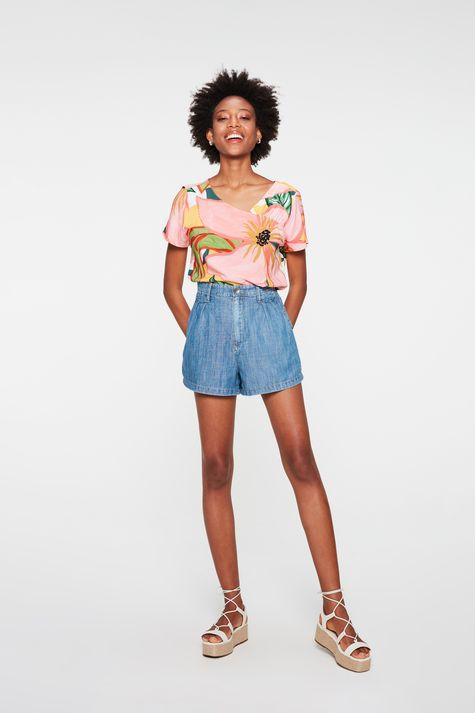 Blusa-Floral-com-Recorte-no-Decote-Detalhe-2--