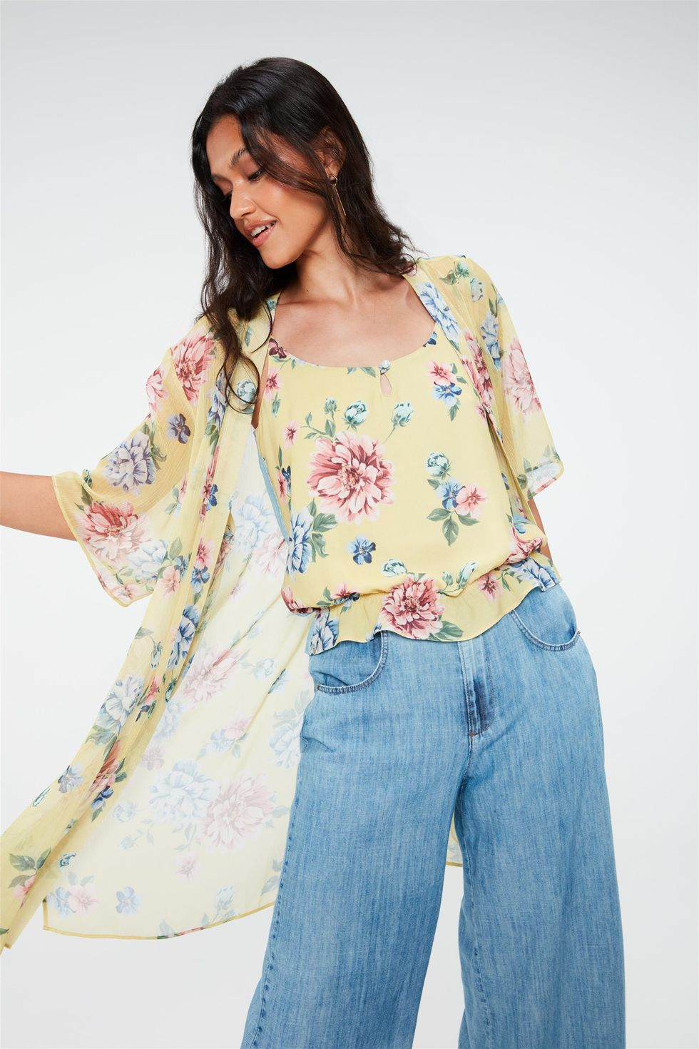Kimono-Leve-com-Estampa-Floral-Frente--