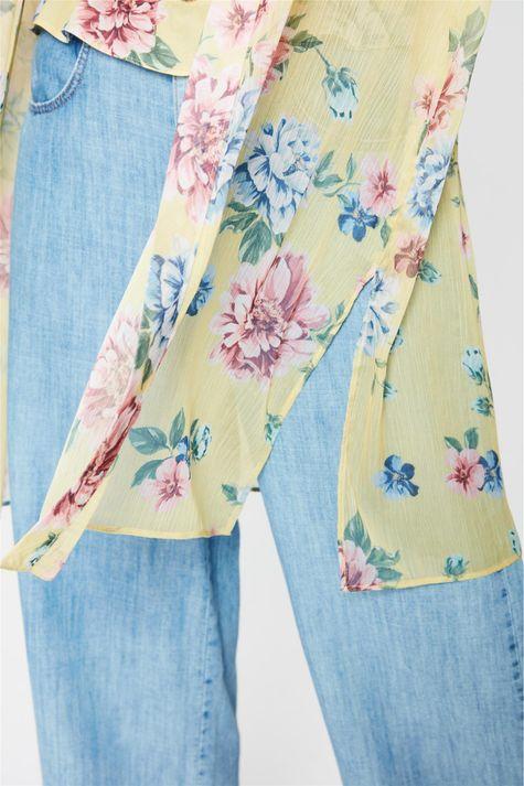 Kimono-Leve-com-Estampa-Floral-Detalhe-1--