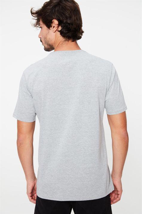 Camiseta-com-Estampa-Masculina-Costas--