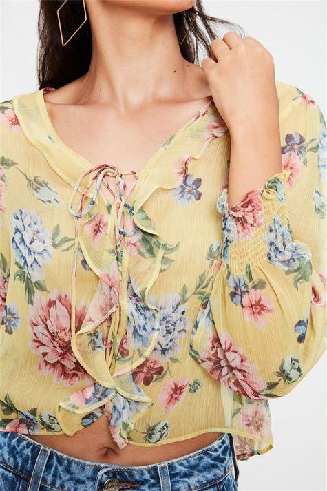 Blusa-com-Transparencia-e-Estampa-Floral-Detalhe--