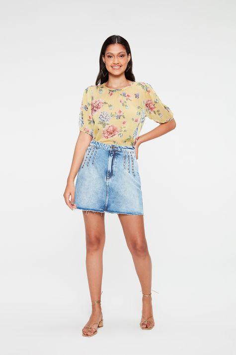 Saia-Jeans-Mini-com-Pregas-e-Rebites-Detalhe-2--