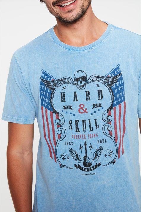 Camiseta-Estonada-com-Estampa-Hard-Skull-Detalhe--