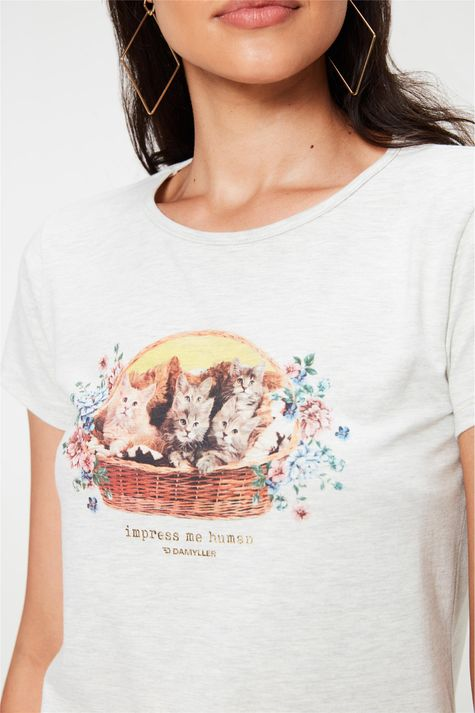 Camiseta-com-Estampa-Impress-Me-Human-Detalhe--