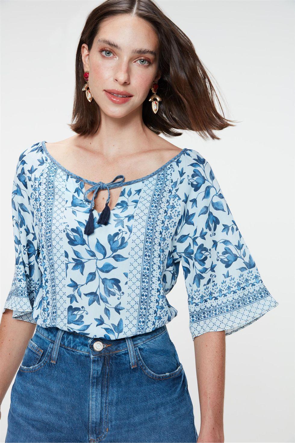 Blusa-Cropped-Jeans-com-Estampa-Floral-Frente--