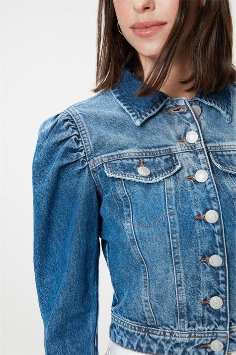 Jaqueta-Jeans-com-Mangas-3-4-Bufantes-Detalhe--