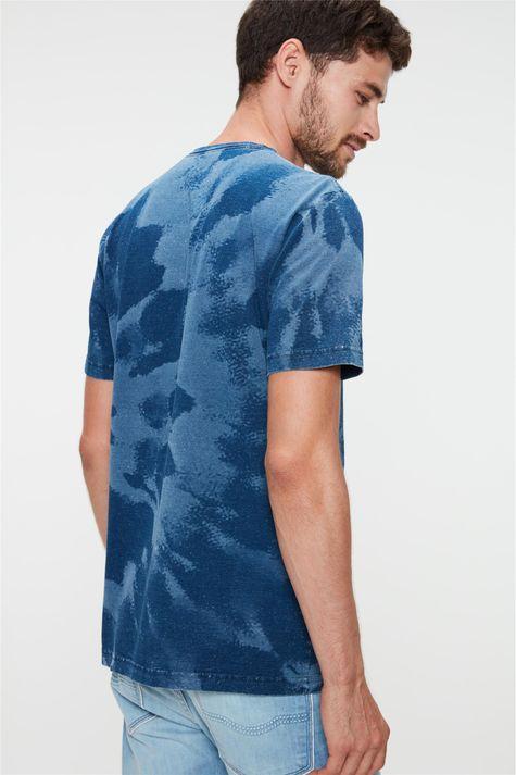 Camiseta-com-Estampa-Tie-Dye-Masculina-Costas--