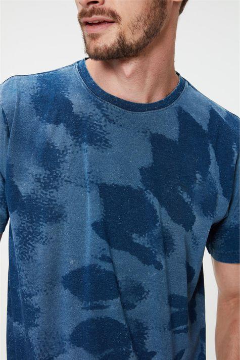Camiseta-com-Estampa-Tie-Dye-Masculina-Detalhe--