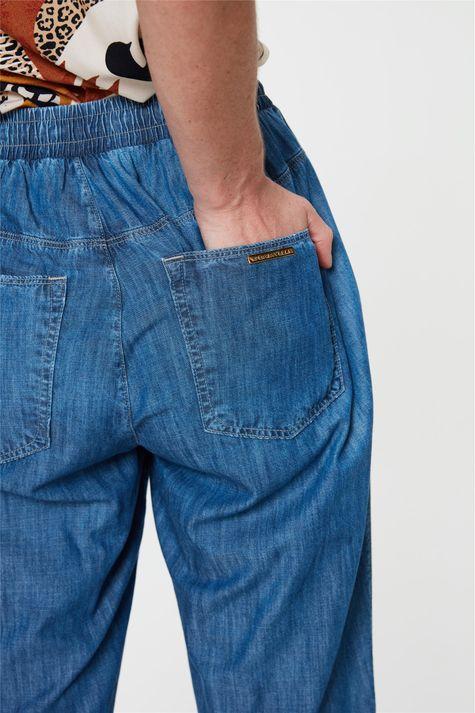 Calca-Jeans-Jogger-Cropped-Soltinha-Detalhe-1--