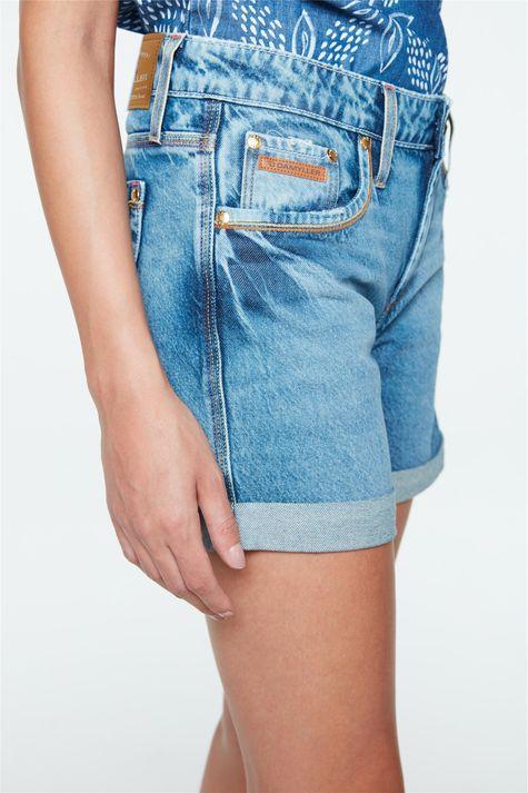Bermuda-Jeans-Boyfriend-Barra-Dobrada-Detalhe--