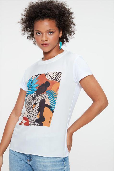 Camiseta-com-Estampa-Localizada-Feminina-Detalhe--