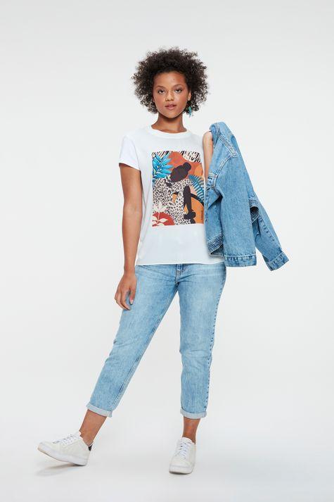 Camiseta-com-Estampa-Localizada-Feminina-Detalhe-1--