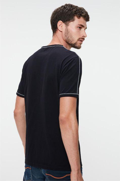 Camiseta-Lisa-com-Vies-Masculina-Costas--