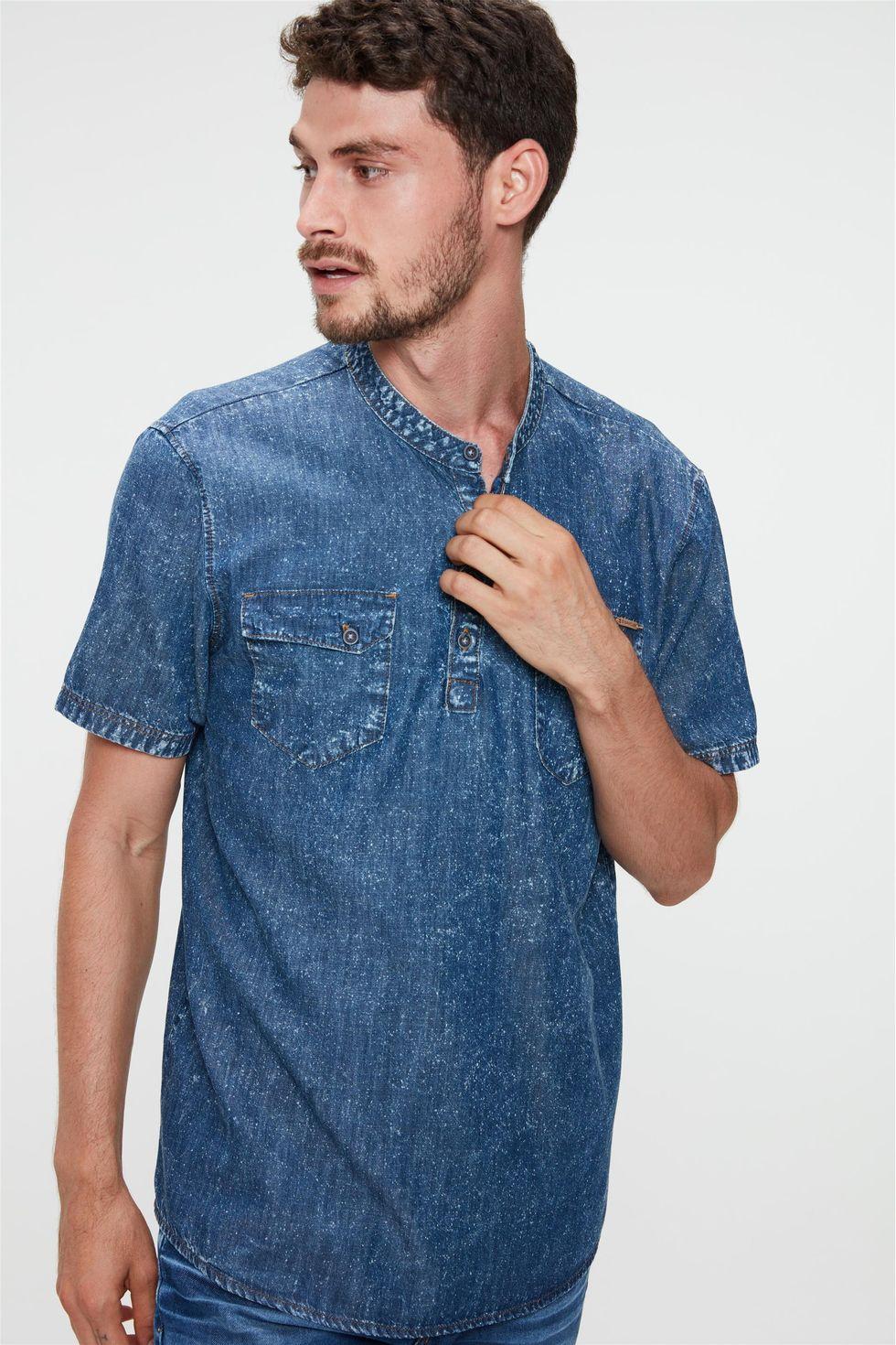 Bata-Jeans-de-Manga-Curta-Masculina-Frente--