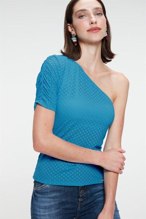 Blusa-de-Um-Ombro-So-Feminina-Detalhe-1--