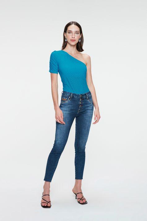 Blusa-de-Um-Ombro-So-Feminina-Detalhe-2--