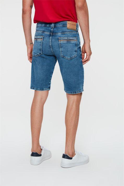Bermuda-Jeans-Escuro-Skinny-Masculina-Costas--