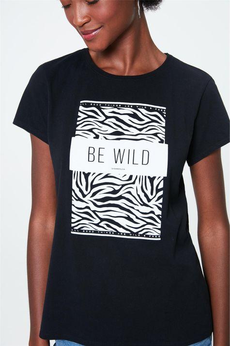 Camiseta-com-Estampa-de-Zebra-Feminina-Detalhe--