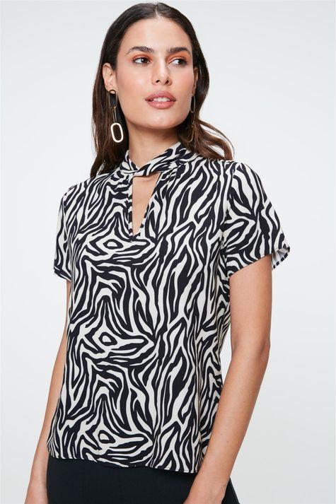 Blusa-Solta-com-Estampa-de-Zebra-Detalhe--