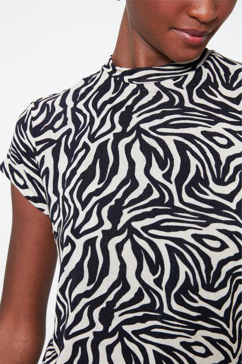 Blusa-Manga-Curta-com-Estampa-de-Zebra-Detalhe--