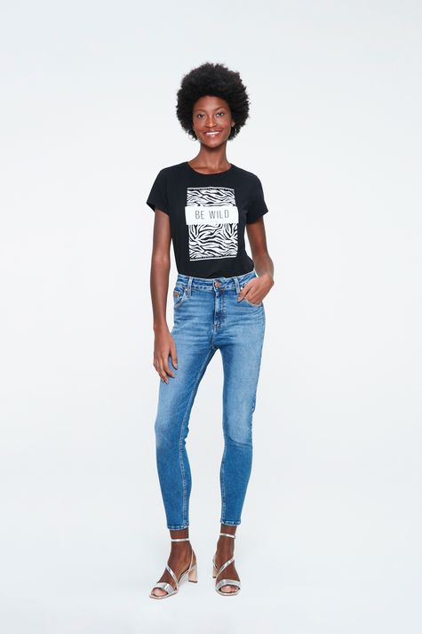 Camiseta-com-Estampa-de-Zebra-Feminina-Detalhe-1--