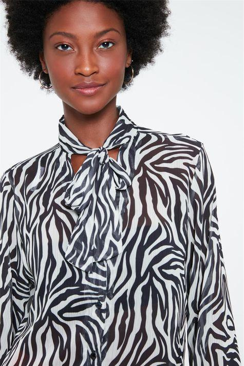 Camisa-Transparente-com-Estampa-de-Zebra-Detalhe--