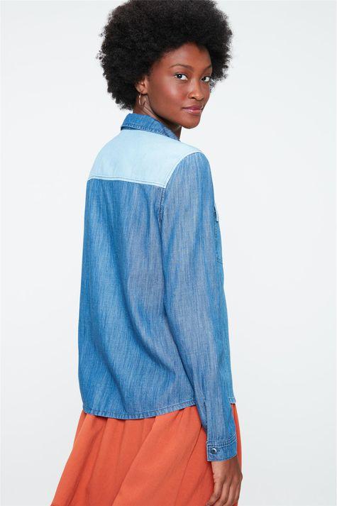 Camisa-Patchwork-Jeans-Feminina-Detalhe--