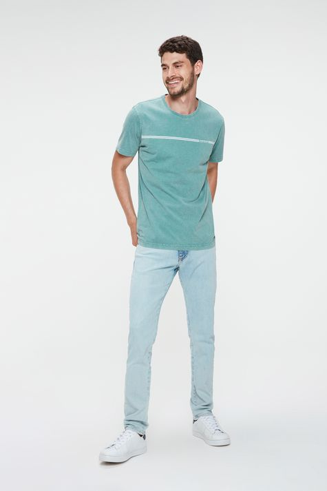 Camiseta-Estonada-com-Estampa-Masculina-Detalhe-1--