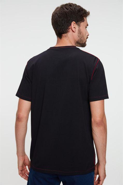Camiseta-com-Detalhe-em-Vies-e-Estampa-Costas--