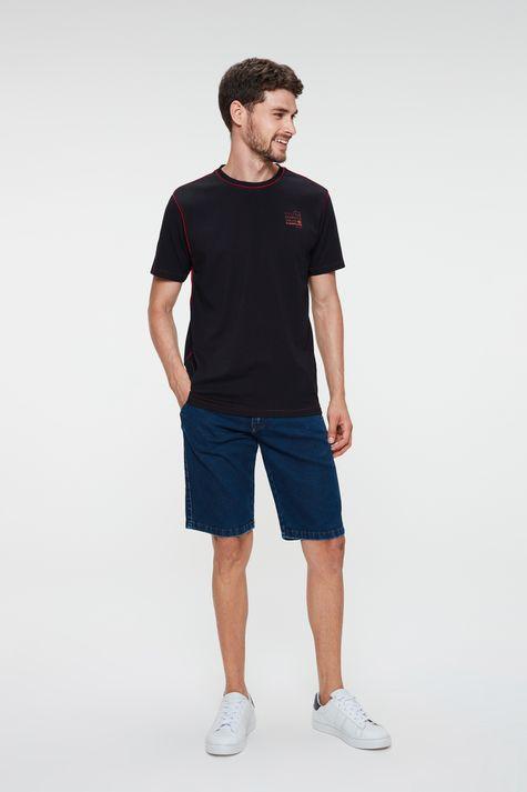 Camiseta-com-Detalhe-em-Vies-e-Estampa-Detalhe-2--