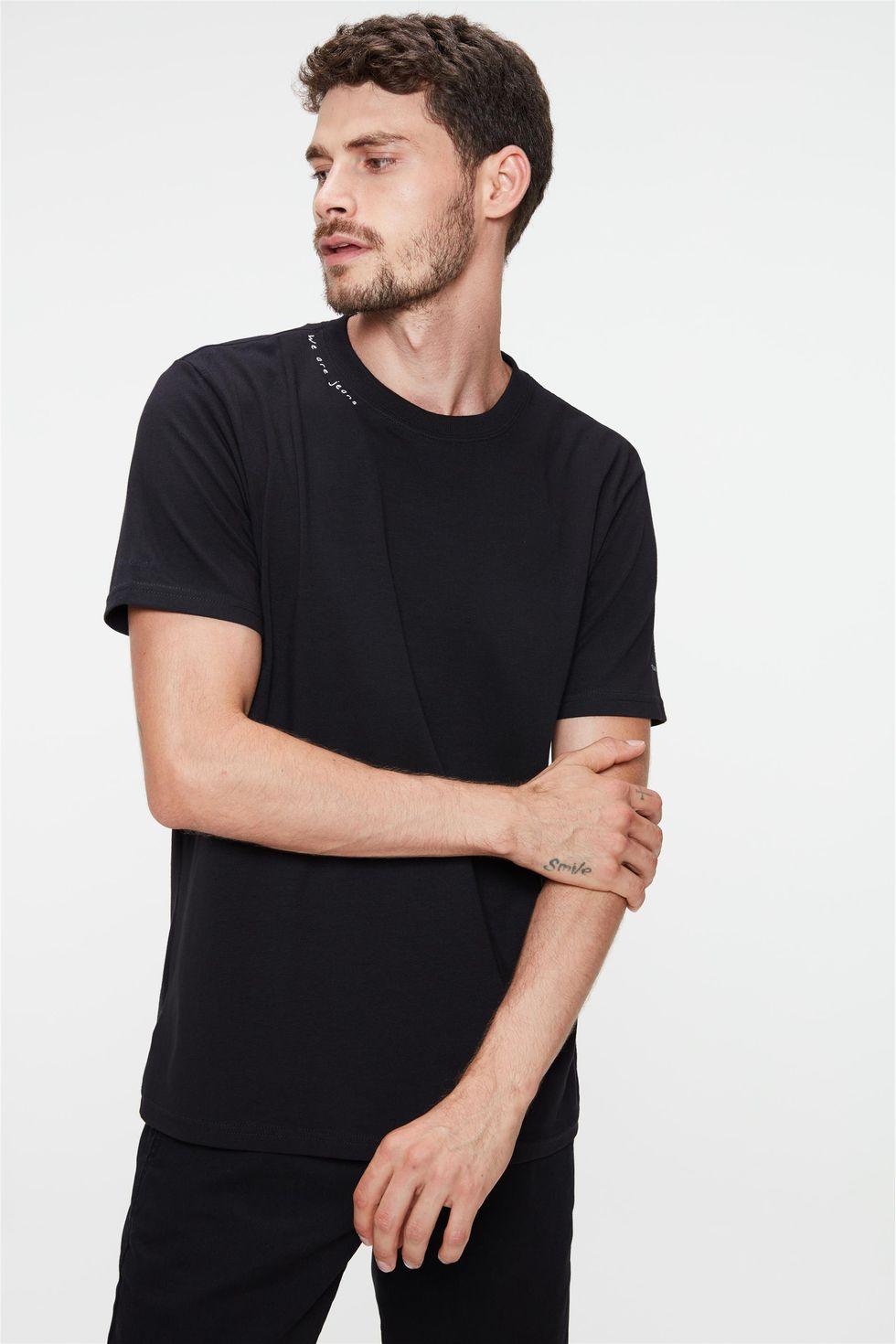Camiseta-Estampa-We-Are-Jeans-Masculina-Frente--