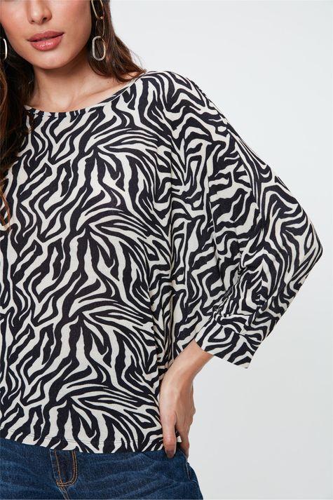 Blusa-Manga-Morcego-com-Estampa-de-Zebra-Detalhe-2--