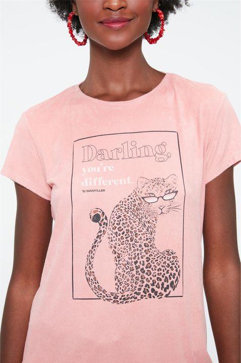 Camiseta-de-Suede-com-Estampa-de-Onca-Detalhe-1--