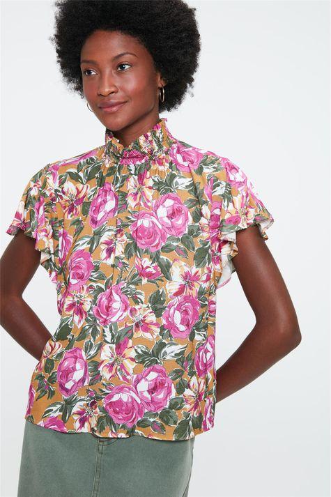 Blusa-Soltinha-com-Estampa-Floral-Rosa-Detalhe--