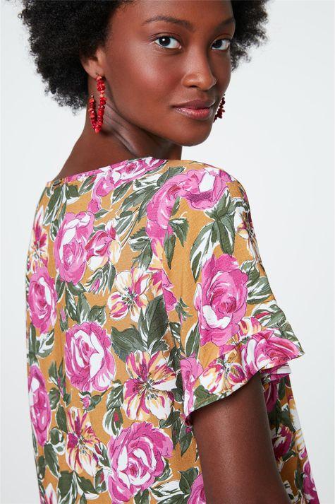 Blusa-Decote-V-com-Estampa-Floral-Rosa-Detalhe-2--