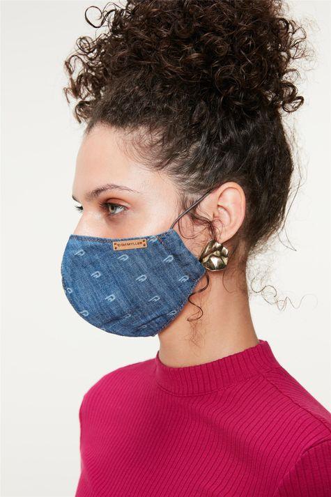 Mascara-Jeans-com-Estampa-a-Laser-Costas--